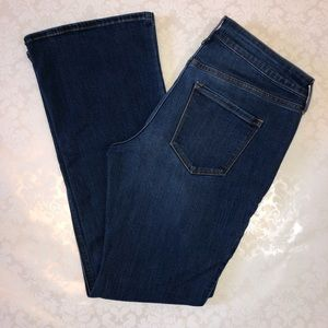 Old Navy Micro-Flare Jeans Size 10 Petite